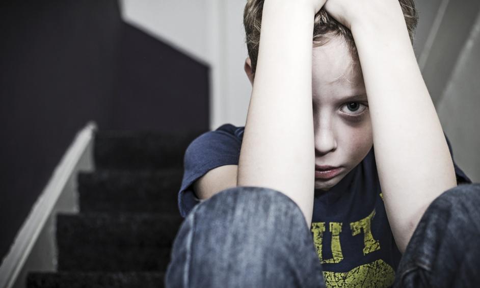 החשד: הקטינים איימו בסכין על חברם שיגנוב מאימו תכשיטים