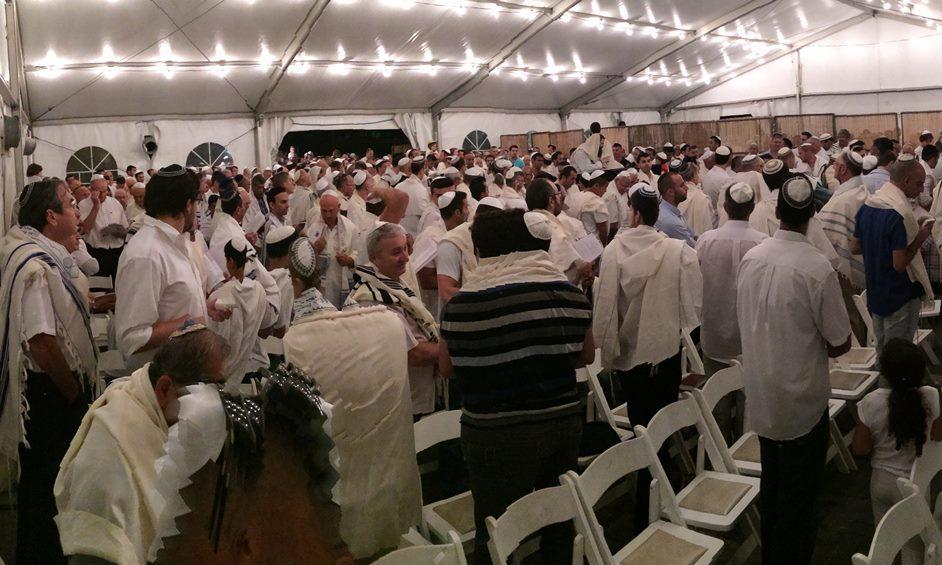 """נתניה: כניסה חופשית לכל 12 בתי התפילה שהקימה חב""""ד"""