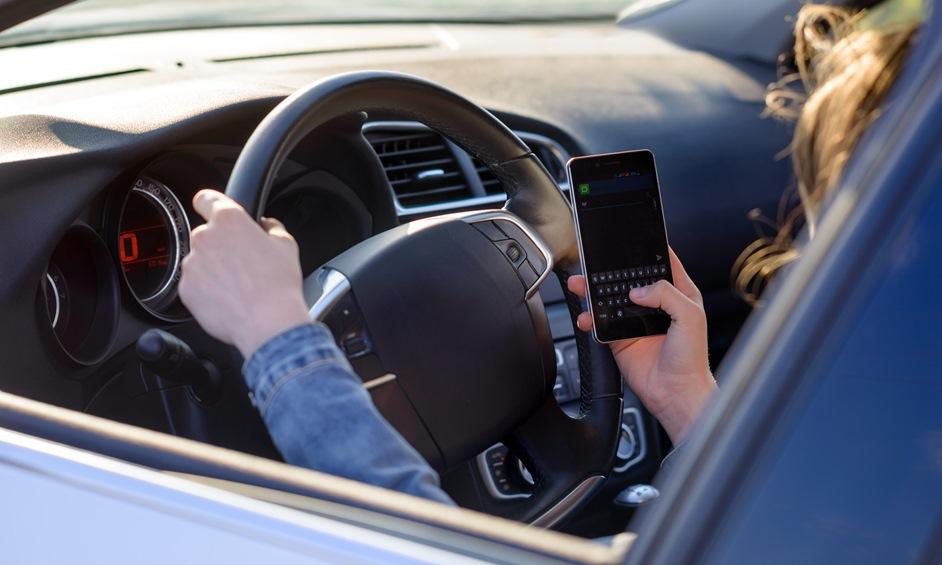 סקר: בנתניה פחות משתמשים במכשיר הסלולארי בזמן נהיגה