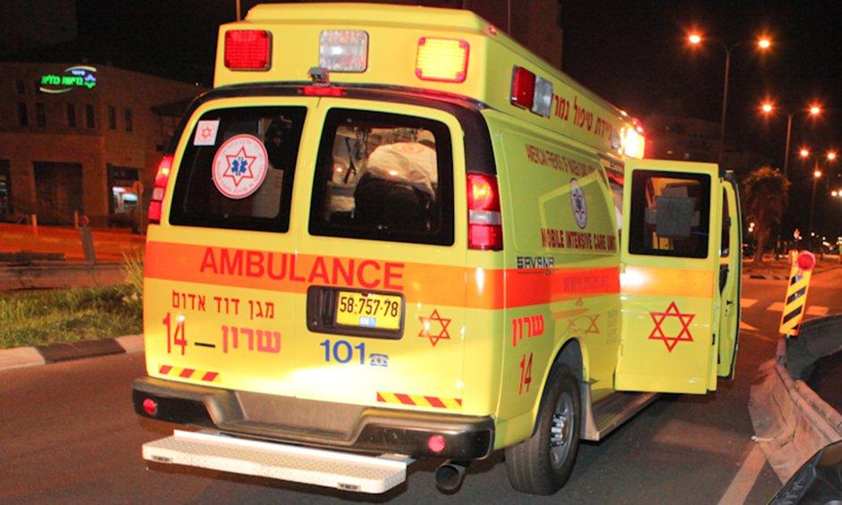 פצוע קשה בתאונת דרכים במרכז נתניה