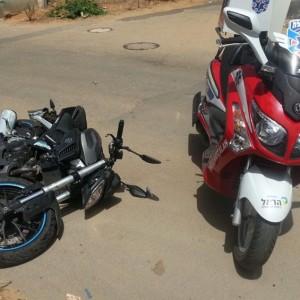 הקטנוע שנפגע. צילום איציק בן שושן