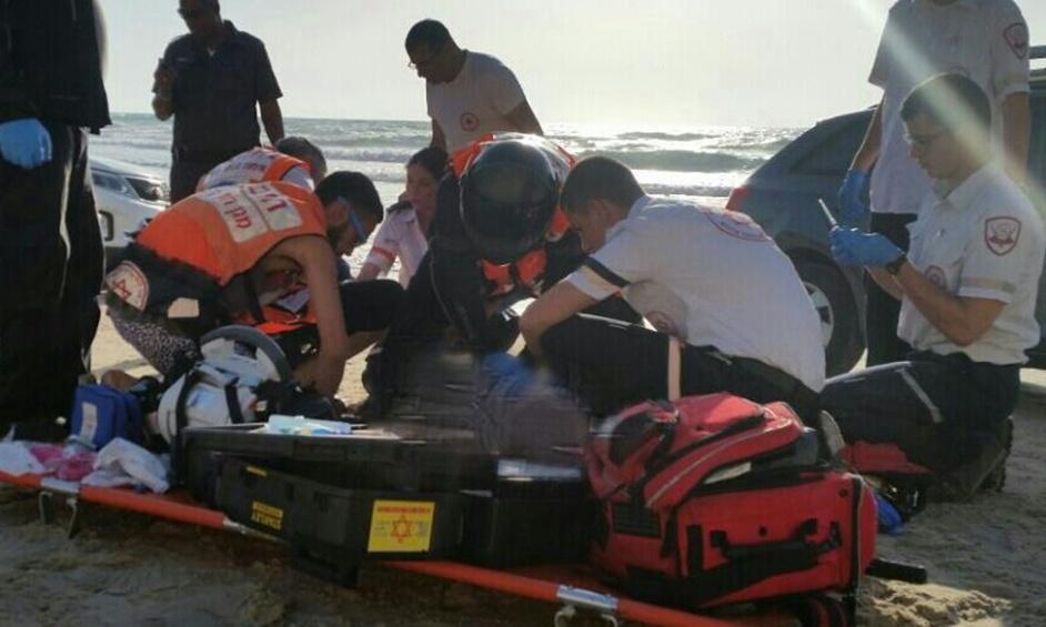 נתניה: גבר ואישה טבעו בחוף סירונית