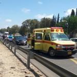 רוכב אופנוע נפצע קשה מפגיעת רכב