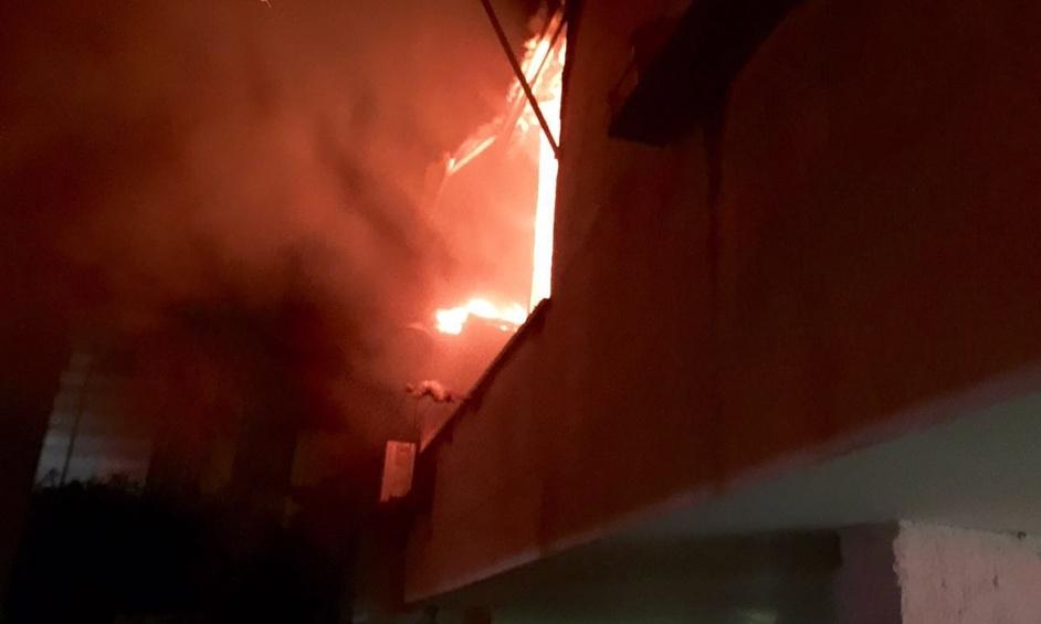 נתניה: פצוע בינוני ושני פצועים קל בשריפת דירה