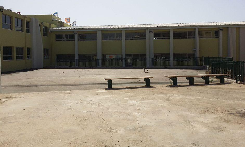 תלמידי בית ספר נועם משוועים לצל
