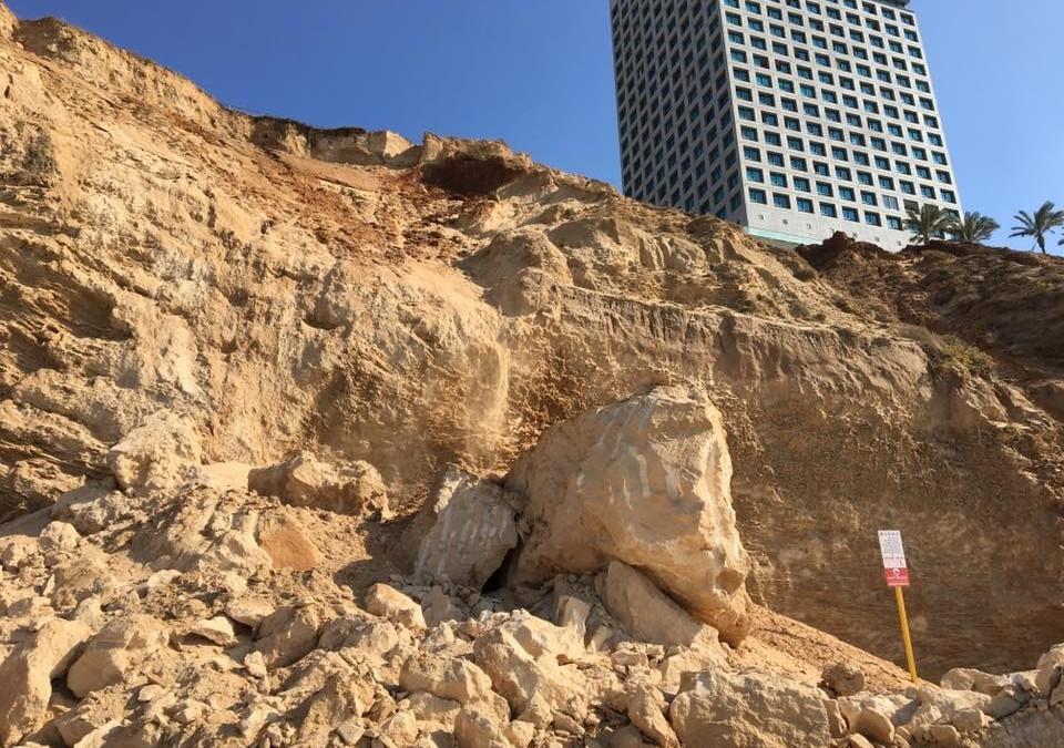 שומרים על המצוק – אושרה הקמת 7 שוברי גלים