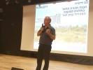 ראש מועצת עמק חפר, רני אידן, בהצגת תוכנית המתאר. צילום מועצת עמק חפר