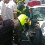 נתניה: שני פצועים בתאונה בין רכב למשאית