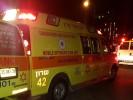 """כוחות ההצלה מטפלים בדקור ברחוב שלונסקי. צילום שלומי מרצ'ביאק, תיעוד מבצעי מד""""א"""