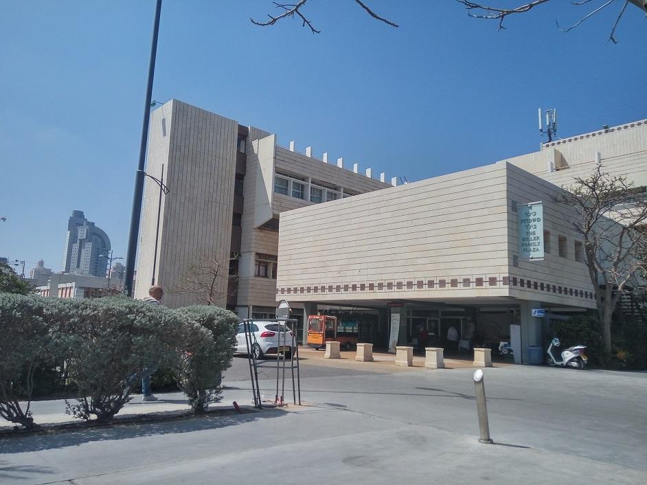 בית חולים לניאדו. צילום עצמי